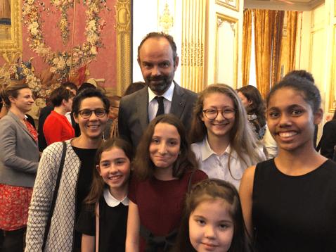 Claude et les filles à Matignon 2-1